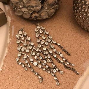 Beautiful earring.